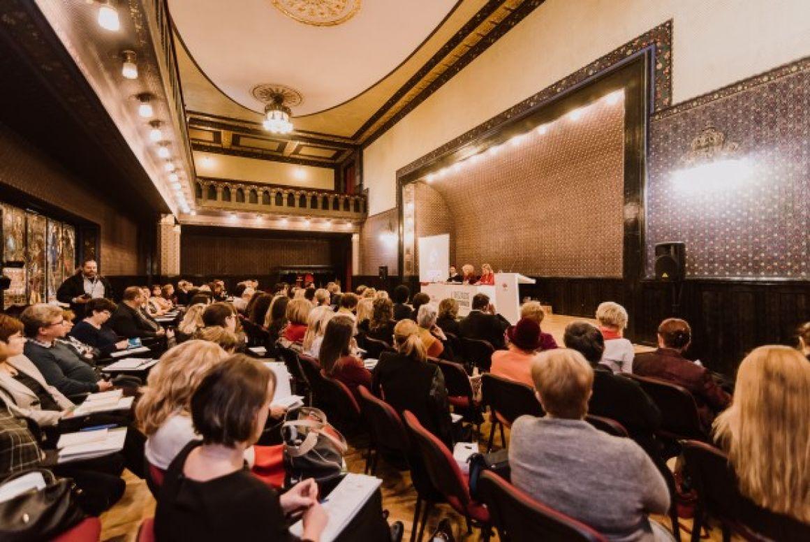 Újabb két évre szavazott bizalmat Biró Rozália elnöknek az RMDSZ Nőszervezete