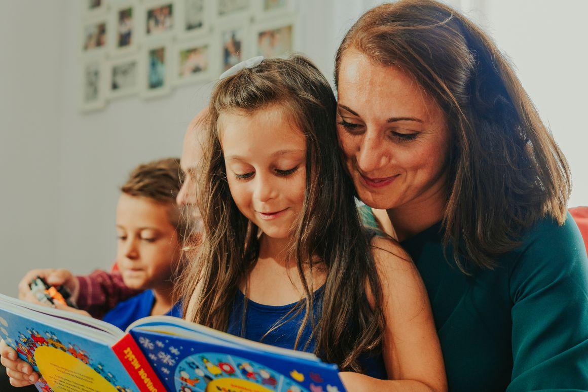 Európai alapokból segítjük a gyerekek román tanulását