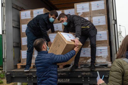 Közlemény - Közel 1,2 millió védőmaszk érkezik Erdélybe