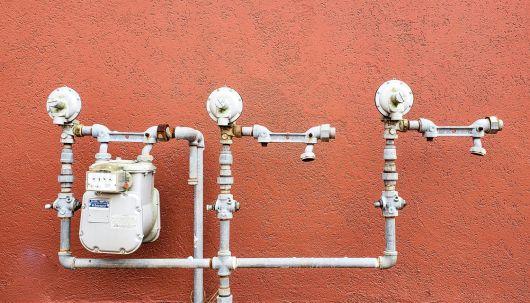 Segítséget nyújt a kormány az energiaárak kifizetésében