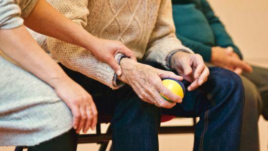 Védik az időseket a csalóktól: önkéntes őrséget hoztak létre Tordaszentlászlón