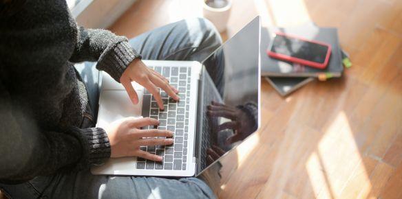 Mától a magánszemélyek letölthetik az előre kitöltött egységes adóbevallási nyilatkozatot a virtuális privát térről (SPV portál)