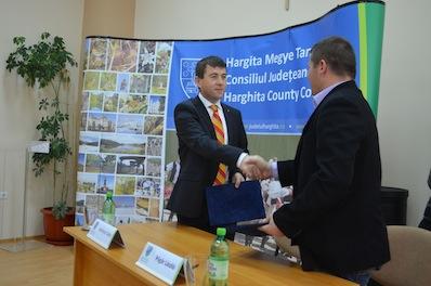 A megyei tanács továbbra is felkarolja a csángó tanulók itt tanulását - 55 moldvai csángó diák bentlakási költségeit támogatják